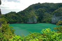 … и удивительными тропическими пейзажами (Фото: Calek, www.shutterstock.com)