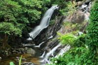 Природное чудо этого района – водопады Тон Нга Чанг (Фото: Panom, www.shutterstock.com)