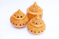 Местная керамика – прекрасный сувенир (Фото: WitthayaP, www.shutterstock.com)
