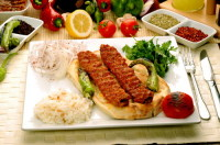 Традиционный турецкий кебаб (Фото: oznuroz, www.shutterstock.com)