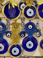 Самый известный сувенир – «назар бонджук» (Фото: Angelo Giampiccolo, www.shutterstock.com)