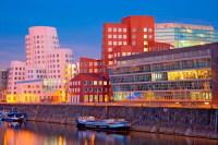 В речном порту расположено несколько концертных площадок фестиваля (Фото: interlight, Shutterstock)
