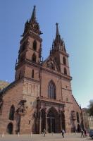 Главная достопримечательность Базеля – кафедральный собор Мюнстер (Фото: Norbert A., Shutterstock)