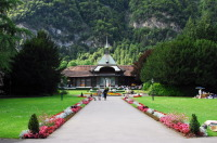 Интерлакен — климатический курорт в Швейцарии (Фото: yxm2008, Shutterstock)