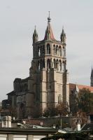 Шпиль кафедрального собора Нотр-Дам можно увидеть из любой части города (Фото: Stefan Ataman, Shutterstock)
