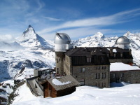 Обсерватория на фоне горы Маттерхорн (Фото: Lazar Mihai-Bogdan, Shutterstock)