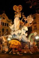 Огромные куклы - фальяс, которые и дали название празднику (Фото: Sillycoke, Shutterstock)