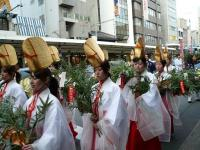 Шествие на празднике в честь бога Эбису в Киото (Фото: С. Фукути)