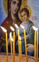 В этот день полагалось зажечь церковную свечу (Фото: Andreas G. Karelias, Shutterstock)