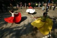 На фестивале действует постоянная танцевальная площадка