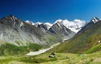 Гора Белуха — высочайший пик Сибири (Фото: Pichugin Dmitry, Shutterstock)