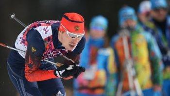 Сергей Устюгов в финале налетел на упавших лыжников. И, хотя спортсмен встал и продолжил гонку, медаль для него оказалась на недосягаемом расстоянии (Фото: РИА Новости)