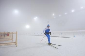 А мужской масс-старт по биатлону из-за погоды перенесли на завтра (Фото: rg.ru)