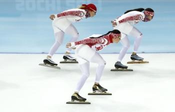 Завтра наши девочки будут бороться за медаль в командной гонке преследования (Фото: ИТАР-ТАСС)
