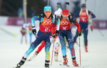 Украинки лидировали в гонке с первого этапа и удержали преимущество до конца. Россиянки пришли вторыми (Фото: ИТАР-ТАСС)