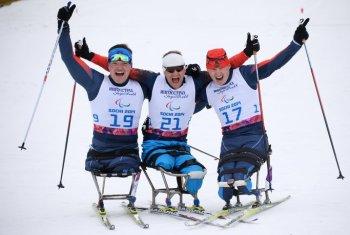 Пьедестал почёта в лыжной гонке на 15 км заняли россияне! (Фото:photo-sochi2014.rsport.ru)