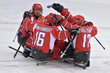 Российская сборная по следж-хоккею вышла в финал и будет бороться за золотую медаль! (Фото: РИА Новости)