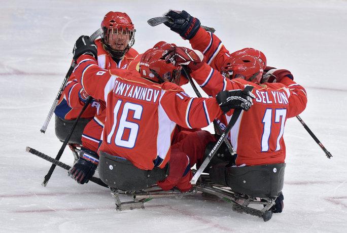 Сборная по следж хоккею вышла в финал