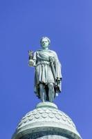 Венчает сооружение статуя Наполеона в одежде римского императора (Фото: Kiev.Victor, Shutterstock)