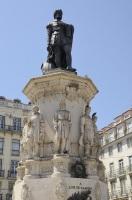 Памятник Камоэнсу в Лиссабоне (Фото: monysasu, Shutterstock)