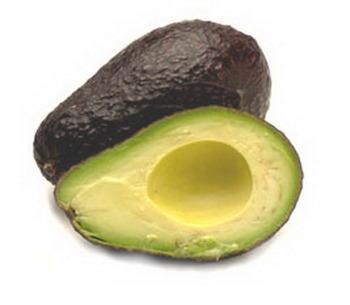 Авокадо - прекрасный источник полезных растительных жиров, витаминов и микроэлементов.  Фото: Shutterstock