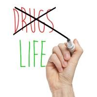 НЕТ наркотикам! (Фото: lculig, Shutterstock)