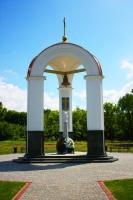 Ротонда чествования памяти павших участников Полтавской битвы в заповеднике «Поле Полтавской битвы» (Фото: FotoYakov, Shutterstock)
