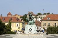 Памятник Иштвану Добо (Фото: posztos, Shutterstock)