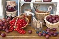 Помимо дегустаций можно и самим принять участие в приготовлении варенья и сладостей (Фото: Barbara Neveu, Shutterstock)