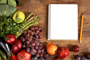 Заведите себе Дневник Питания.  Фото:  Shutterstock