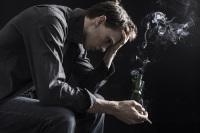 Предвестниками психических заболеваний являются стрессы... (Фото: Twin Design, Shutterstock)