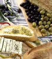 Наиболее любимый киприотами великопостный хлеб — это хлеб, замешанный на оливковом масле (Фото: celia de coca, Shutterstock)
