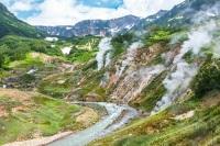 Долина Гейзеров на Камчатке в Кроноцком государственном биосферном заповеднике - одно из наиболее крупных гейзерных полей мира и единственное в Евразии (Фото: Vadim Petrakov, Shutterstock)