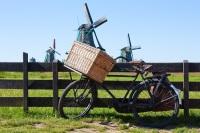 Этот праздник совпадает с Национальным днем велосипедиста, поэтому во все велосипедные маршруты включаются посещения ветряных мельниц (Фото: PerseoMedusa, Shutterstock)