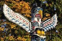 Тотемные столбы - символ культуры коренных жителей провинции Британская Колумбия (Фото: JamesChen, Shutterstock)