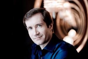Николай Луганский (Фото: musinstruments.ru)