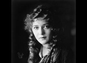 Мэри Пикфорд. Фото: 1921 год,