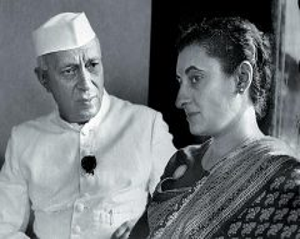 Джавахарлал Неру с дочерью Индирой Ганди