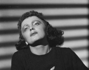 Эдит Пиаф (Фото 1939 года, )