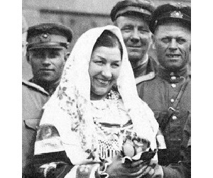 Лидия Андреевна Русланова в Берлине (Фото: 1945 год, )