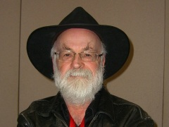 «Terry Pratchett 2005» (Фото: Wikimedia.org)